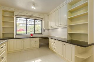 Photo 8: 37 2216 FOLKESTONE Way in West Vancouver: Panorama Village Condo for sale : MLS®# R2310514
