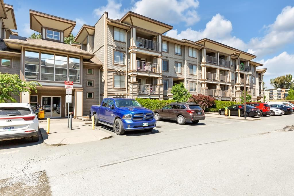 """Main Photo: 103 45567 YALE Road in Chilliwack: Chilliwack W Young-Well Condo for sale in """"The Vibe"""" : MLS®# R2624560"""
