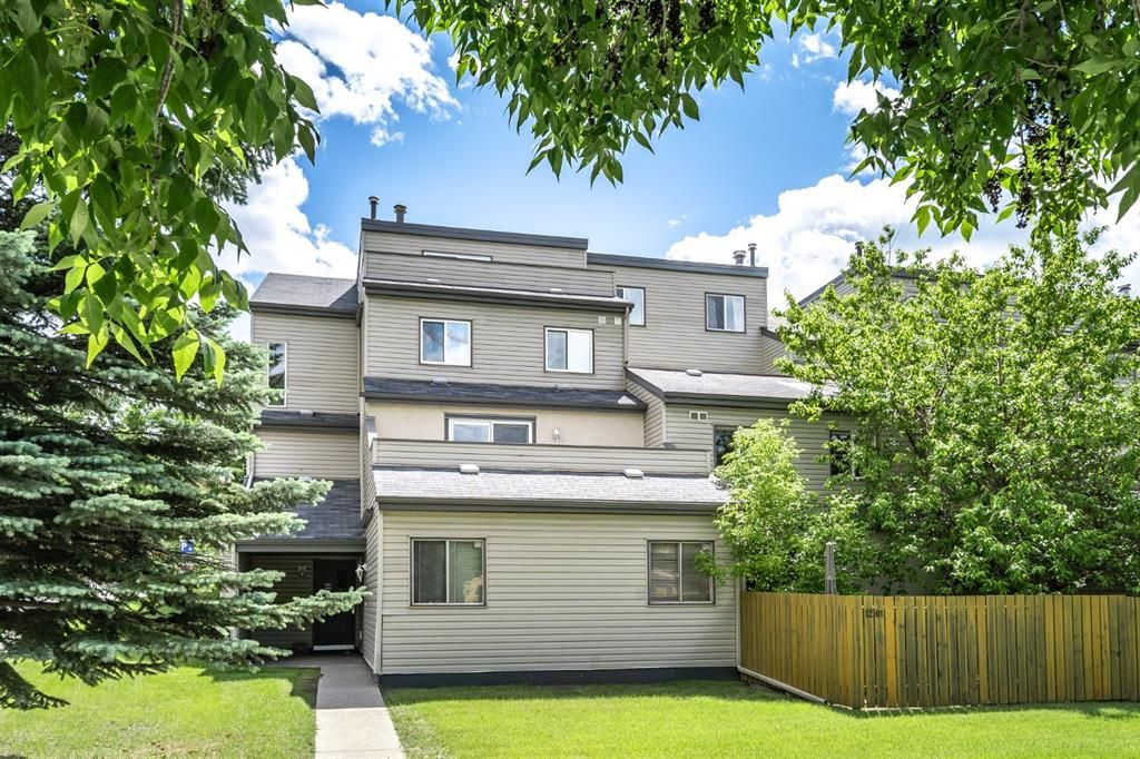 Main Photo: 1202 1540 29 Street NW in Calgary: St Andrews Heights Apartment for sale : MLS®# A1011902