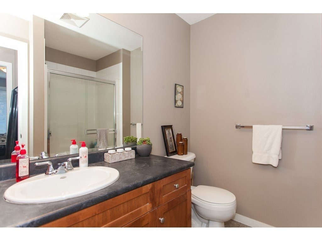 """Photo 18: Photos: 412 33960 OLD YALE Road in Abbotsford: Central Abbotsford Condo for sale in """"Old Yale Heights"""" : MLS®# R2241666"""