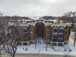 Photo 1: 30 828 Preston Avenue in Winnipeg: Wolseley Condominium for sale (5B)  : MLS®# 202102829