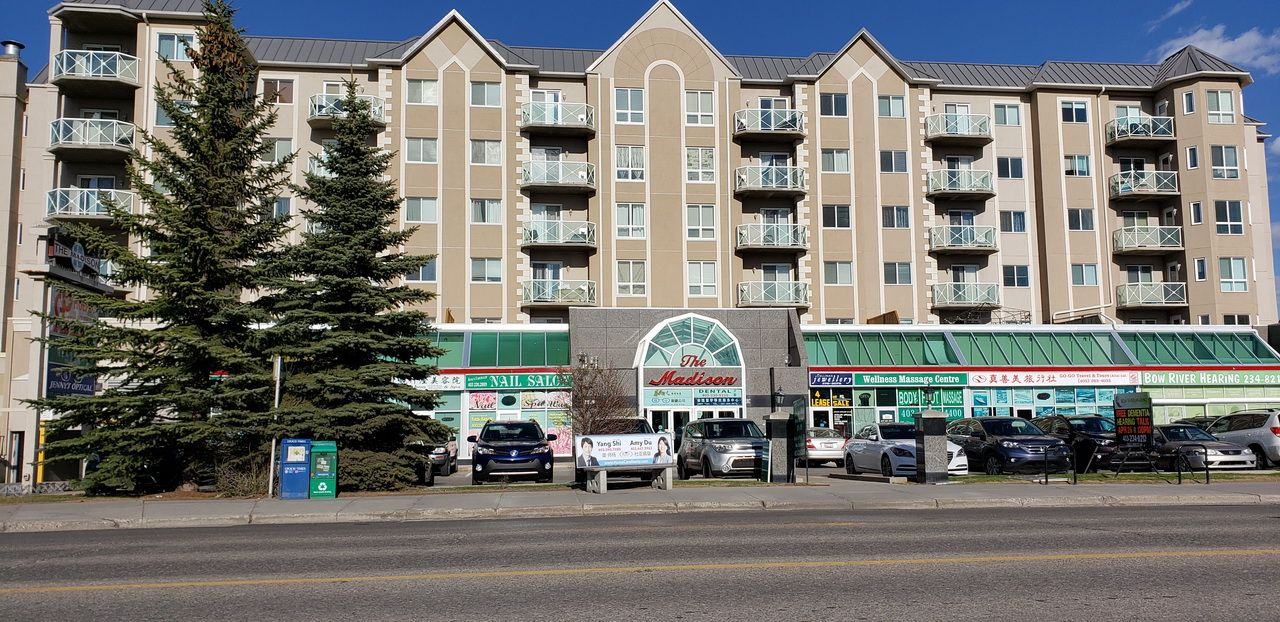 Main Photo: 1518 CENTER ST N.E in CALGARY: Commercial for sale or lease (Calgary)  : MLS®# C4247750