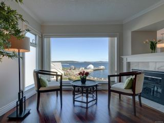 Photo 3: 402 2550 Bevan Ave in : Si Sidney South-East Condo for sale (Sidney)  : MLS®# 860006