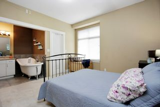 """Photo 9: 402 33255 OLD YALE Road in Abbotsford: Central Abbotsford Condo for sale in """"The Brixton"""" : MLS®# R2210628"""