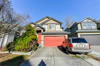 Photo 1: 17189 65 Avenue in Surrey: Cloverdale BC House for sale (Cloverdale)  : MLS®# R2526408