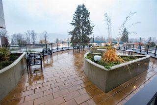 "Photo 15: 2711 SPRING Street in Port Moody: Port Moody Centre Townhouse for sale in ""The Station"" : MLS®# R2225316"