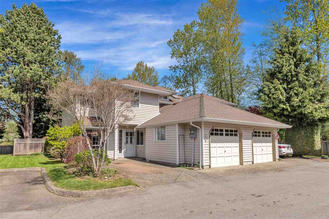 """Main Photo: 124 12163 68 Avenue in Surrey: West Newton Townhouse for sale in """"Cougar Creek Estates"""" : MLS®# R2569487"""