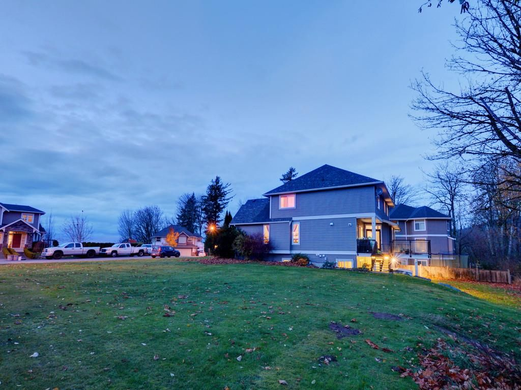 """Photo 12: Photos: 3998 CAVES Court in Abbotsford: Abbotsford East House for sale in """"SANDY HILL"""" : MLS®# R2222568"""