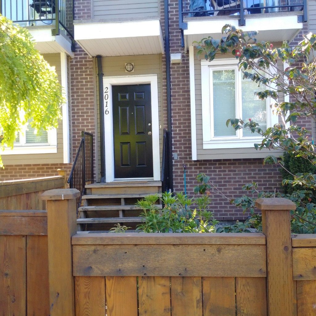 Main Photo: 2016 FRANKLIN ST in Vancouver: Hastings Townhouse for sale (Vancouver East)  : MLS®# V953976