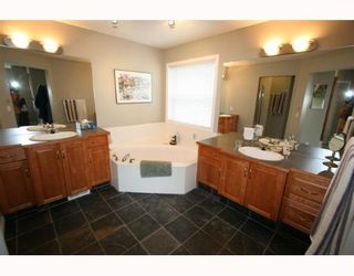 Photo 9:  in CALGARY: Valley Ridge Residential Detached Single Family for sale (Calgary)  : MLS®# C3258868