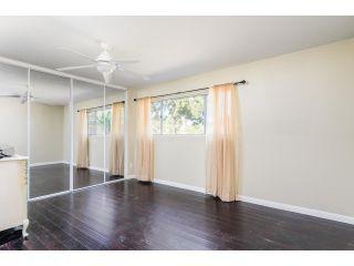 Photo 15: OCEANSIDE House for sale : 3 bedrooms : 4002 Via Los Padres