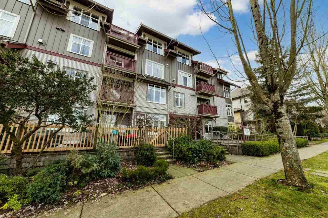 "Main Photo: 304 4272 ALBERT Street in Burnaby: Vancouver Heights Condo for sale in ""Cranberry Commos"" (Burnaby North)  : MLS®# R2557861"