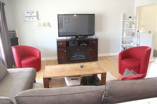 Photo 4: 300 Montreal Street North in Regina: Churchill Downs Residential for sale : MLS®# SK852760