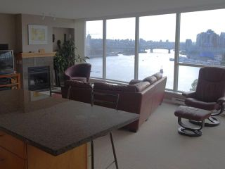 "Photo 3: 1206 120 MILROSS Avenue in Vancouver: Mount Pleasant VE Condo for sale in ""BRIGHTON"" (Vancouver East)  : MLS®# V825573"