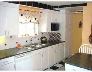 Photo 3: 405 WILLIAM NEWTON Avenue in WINNIPEG: East Kildonan Residential for sale (North East Winnipeg)  : MLS®# 2807695