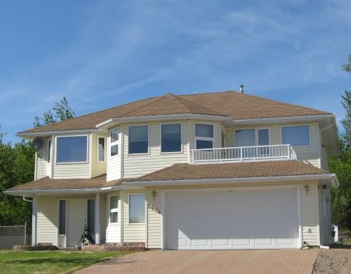 """Main Photo: 5604 MINNAKER Crescent in Fort_Nelson: Fort Nelson -Town House for sale in """"MOUNTAINVIEW"""" (Fort Nelson (Zone 64))  : MLS®# N191177"""