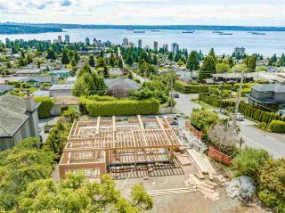 Main Photo: 2190 QUEENS Avenue in West Vancouver: Queens House for sale : MLS®# R2463744
