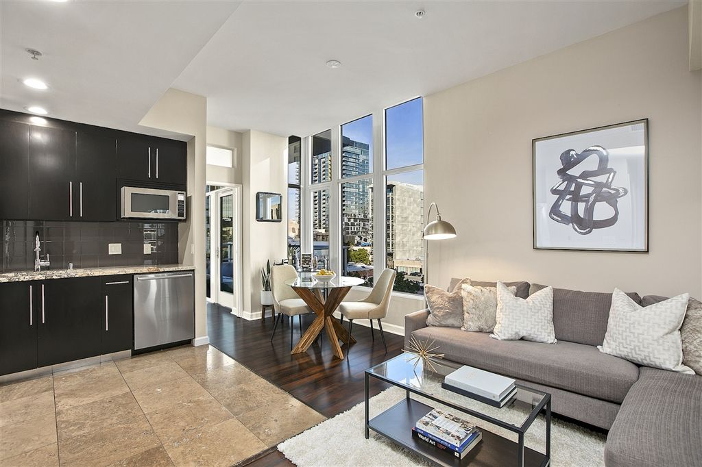 Main Photo: DOWNTOWN Condo for sale : 1 bedrooms : 1262 Kettner Blvd. #704 in San Diego