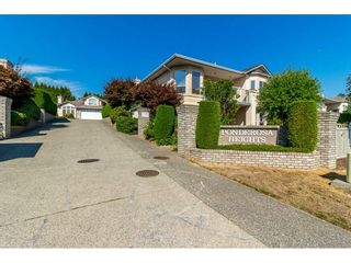 """Photo 2: 11 31445 UPPER MACLURE Road in Abbotsford: Abbotsford West Townhouse for sale in """"Ponderosa Heights"""" : MLS®# R2303169"""