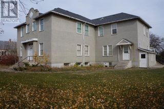 Photo 2: 502 Centre Street in Hanna: House for sale : MLS®# A1152289