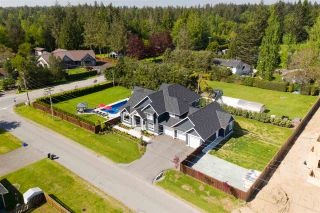 """Photo 2: 5627 244B Street in Langley: Salmon River House for sale in """"Strawberry Hills"""" : MLS®# R2377021"""