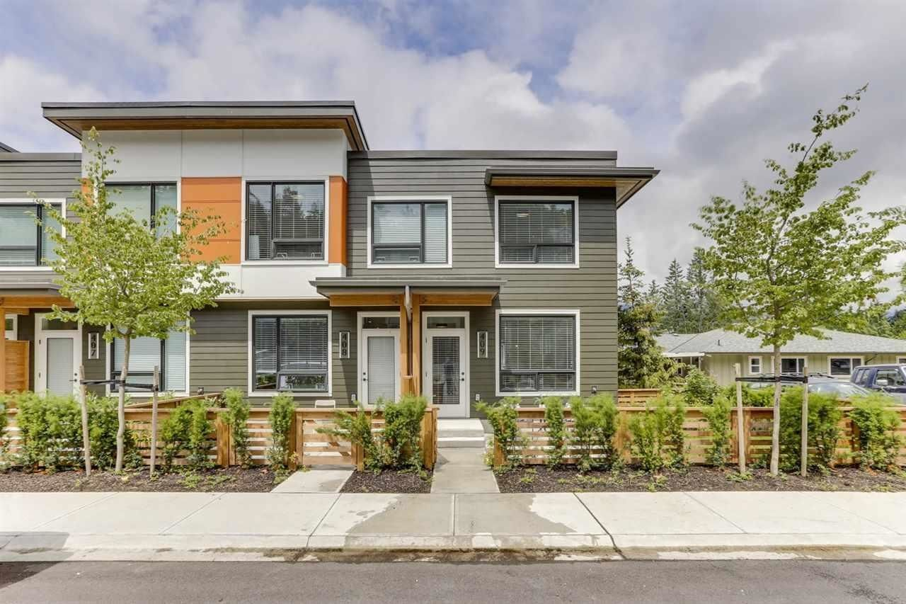 """Main Photo: 409 3021 ST GEORGE Street in Port Moody: Port Moody Centre Townhouse for sale in """"GEORGE by MARCON"""" : MLS®# R2604134"""