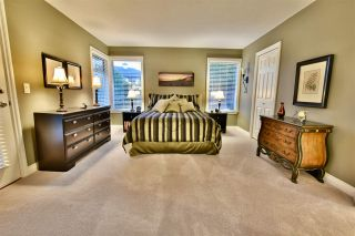 """Photo 12: 21533 86A Crescent in Langley: Walnut Grove House for sale in """"Forest Hills"""" : MLS®# R2423058"""