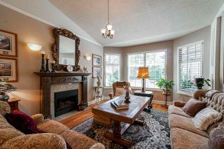"""Photo 2: 56 2533 152 Street in Surrey: Sunnyside Park Surrey Townhouse for sale in """"BISHOPS GREEN"""" (South Surrey White Rock)  : MLS®# R2380377"""