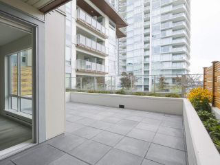 """Photo 9: 104 1768 GILMORE Avenue in Burnaby: Brentwood Park Condo for sale in """"Escala"""" (Burnaby North)  : MLS®# R2398729"""