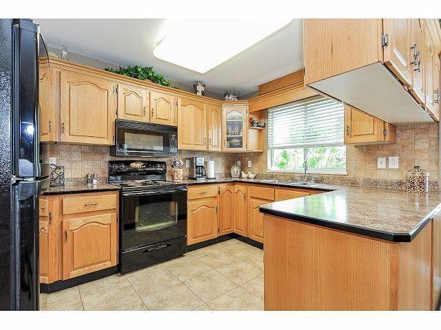 "Photo 7: Photos: 8896 159A Street in Surrey: Fleetwood Tynehead House for sale in ""FLEETWOOD"" : MLS®# F1410256"