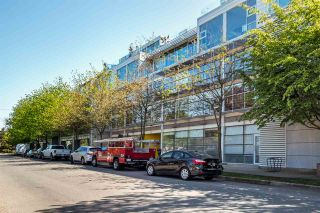 """Photo 1: 2 1650 W 1ST Avenue in Vancouver: False Creek Townhouse for sale in """"THE ELLIS FOSTER BUILDING"""" (Vancouver West)  : MLS®# R2062356"""