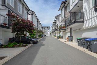 Photo 2: 62 5867 129 STREET in Surrey: Panorama Ridge Townhouse for sale : MLS®# R2467474