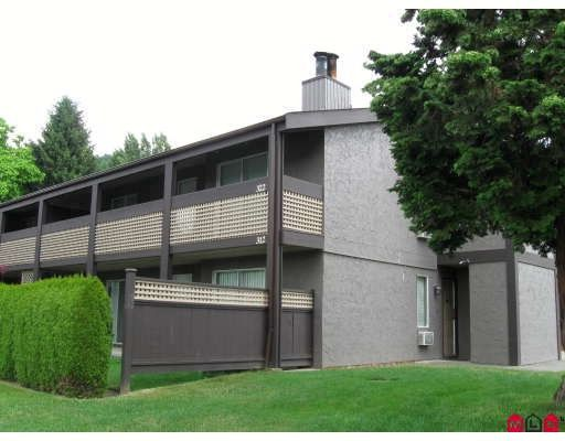 "Main Photo: 322 34909 OLD YALE Road in Abbotsford: Abbotsford East Townhouse for sale in ""THE Gardens"" : MLS®# F2821051"