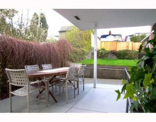 Photo 9: 2995 E 8TH Ave in Vancouver: Renfrew VE House for sale (Vancouver East)  : MLS®# V643298