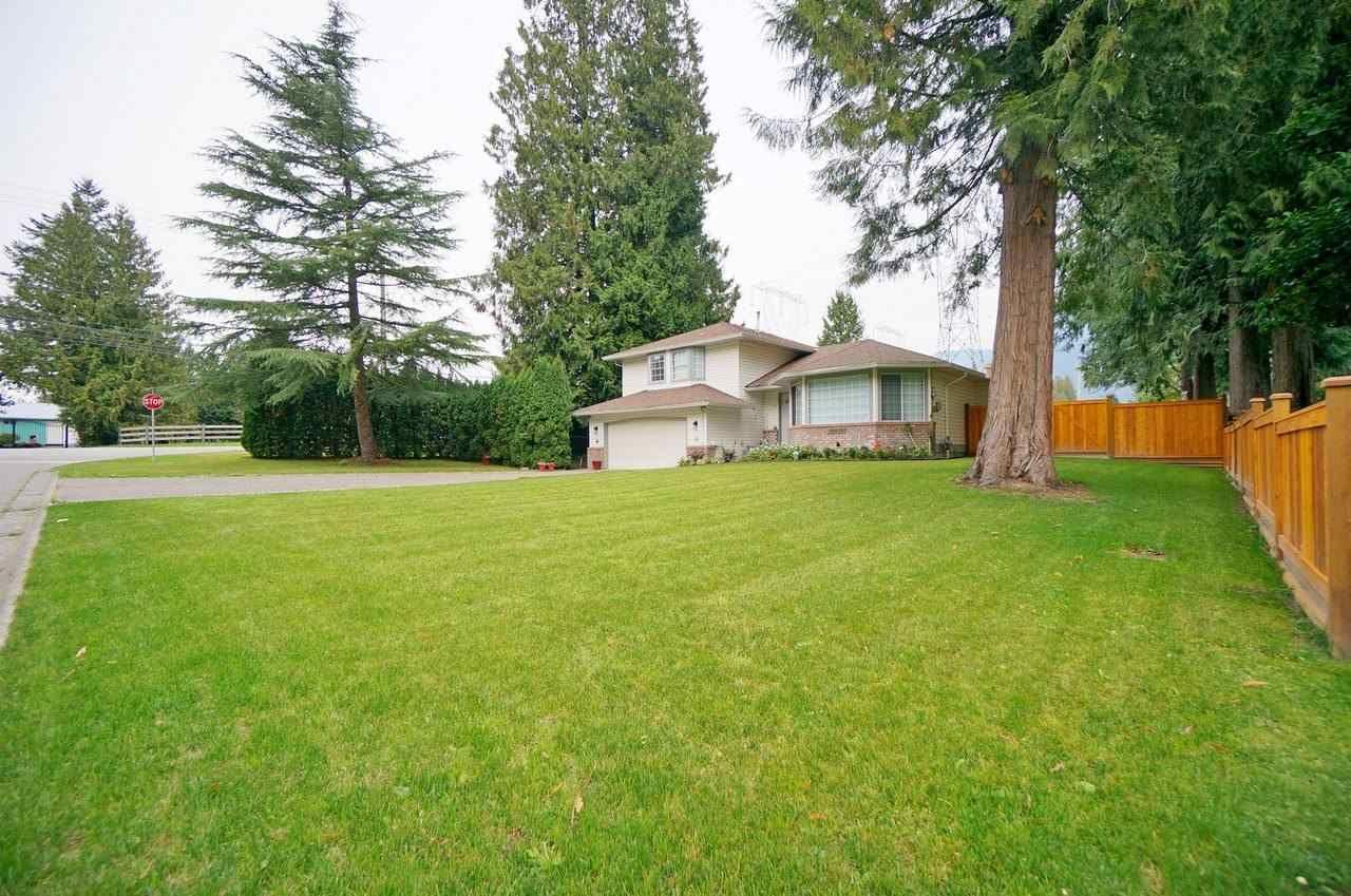 Main Photo: 10070 SUSSEX Drive in Rosedale: Rosedale Popkum House for sale : MLS®# R2515499