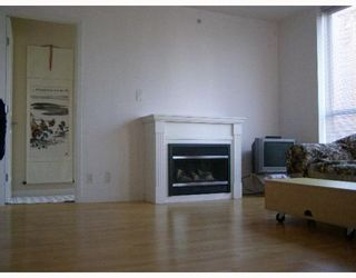 Photo 3: 302 850 ROYAL Avenue in New_Westminster: Downtown NW Condo for sale (New Westminster)  : MLS®# V773542