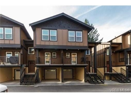 Main Photo: 104 990 Rattanwood Pl in VICTORIA: La Happy Valley Row/Townhouse for sale (Langford)  : MLS®# 711629