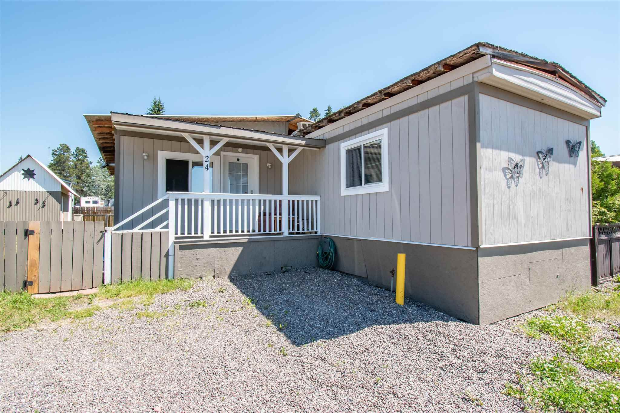 Main Photo: 24 95 LAIDLAW Road in Smithers: Smithers - Rural Manufactured Home for sale (Smithers And Area (Zone 54))  : MLS®# R2597458