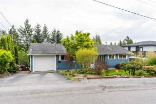 Photo 3: 32550 FLEMING Avenue in Mission: Mission BC House for sale : MLS®# R2589074