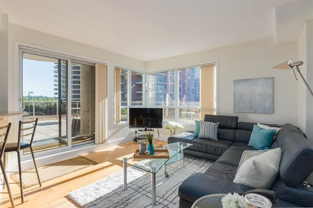 Main Photo: 301 683 10 Street SW in Calgary: Downtown West End Apartment for sale : MLS®# A1020199