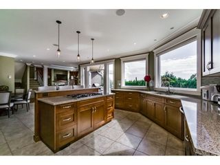 Photo 5: 14438 MALABAR CRESCENT: White Rock House for sale (South Surrey White Rock)  : MLS®# R2104715