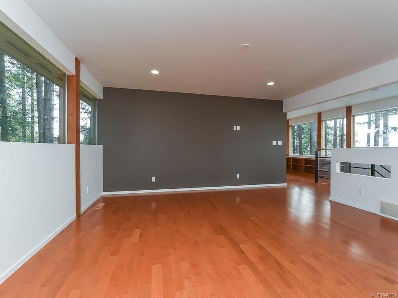 Photo 34: Photos: 1156 Moore Rd in COMOX: CV Comox Peninsula House for sale (Comox Valley)  : MLS®# 840830