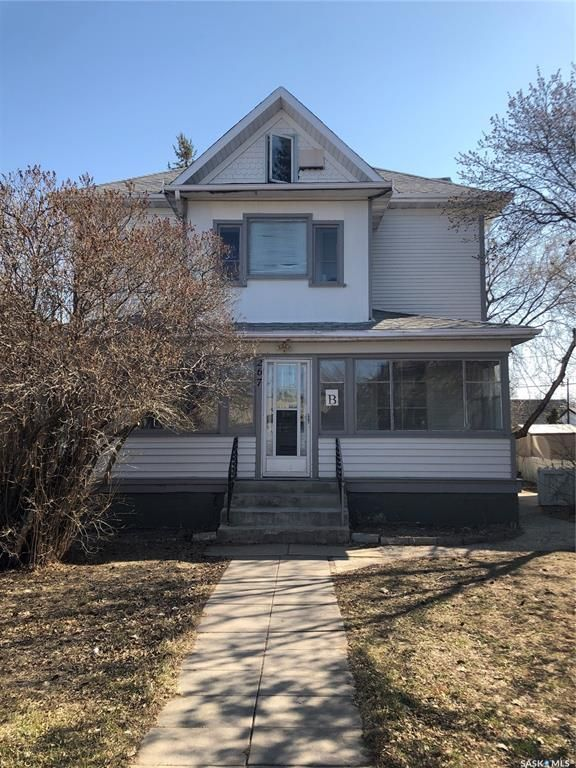 Main Photo: 267 Hochelaga Street West in Moose Jaw: Central MJ Residential for sale : MLS®# SK865719