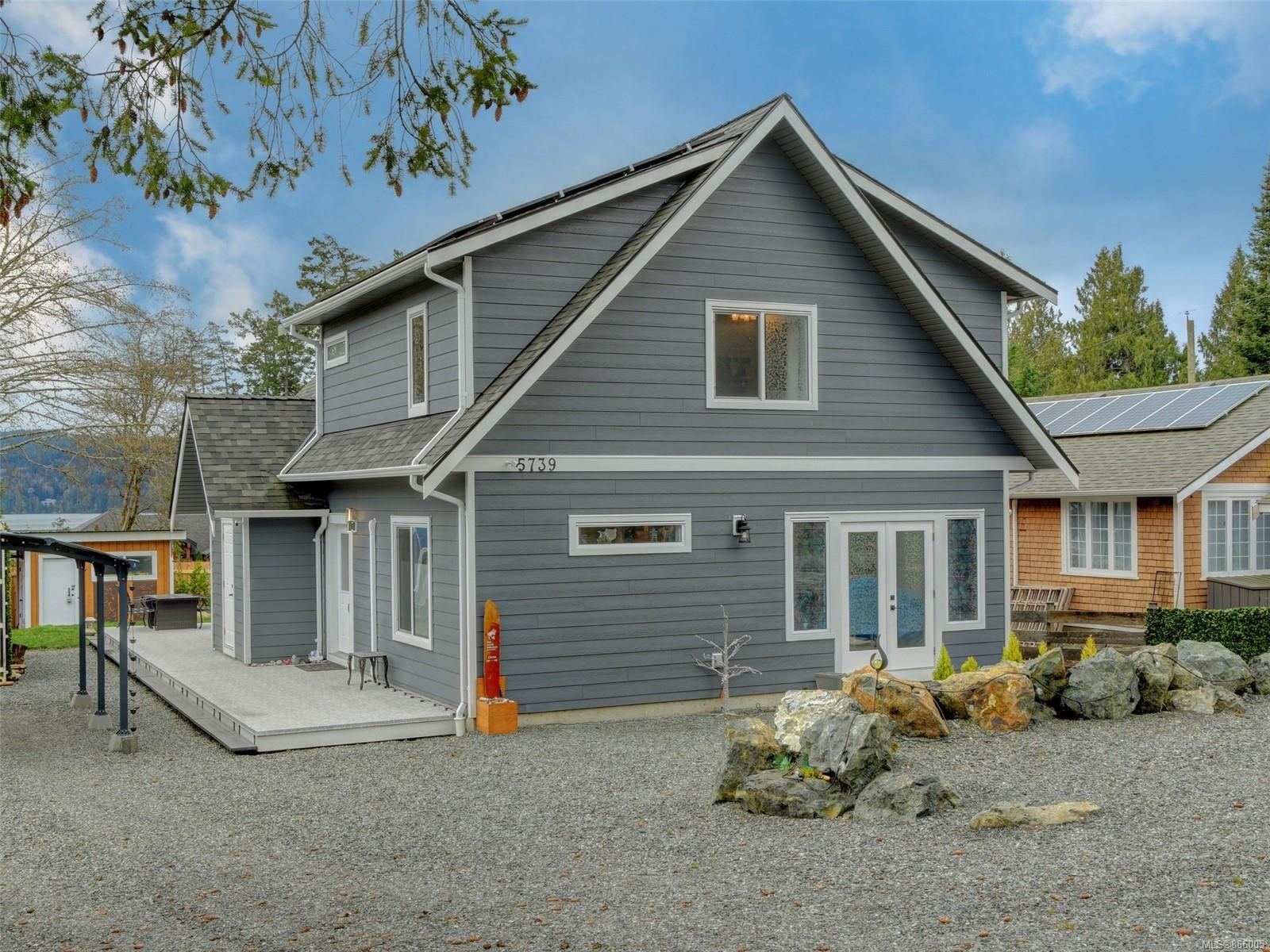 Main Photo: 5739 Siasong Rd in : Sk Saseenos House for sale (Sooke)  : MLS®# 866005
