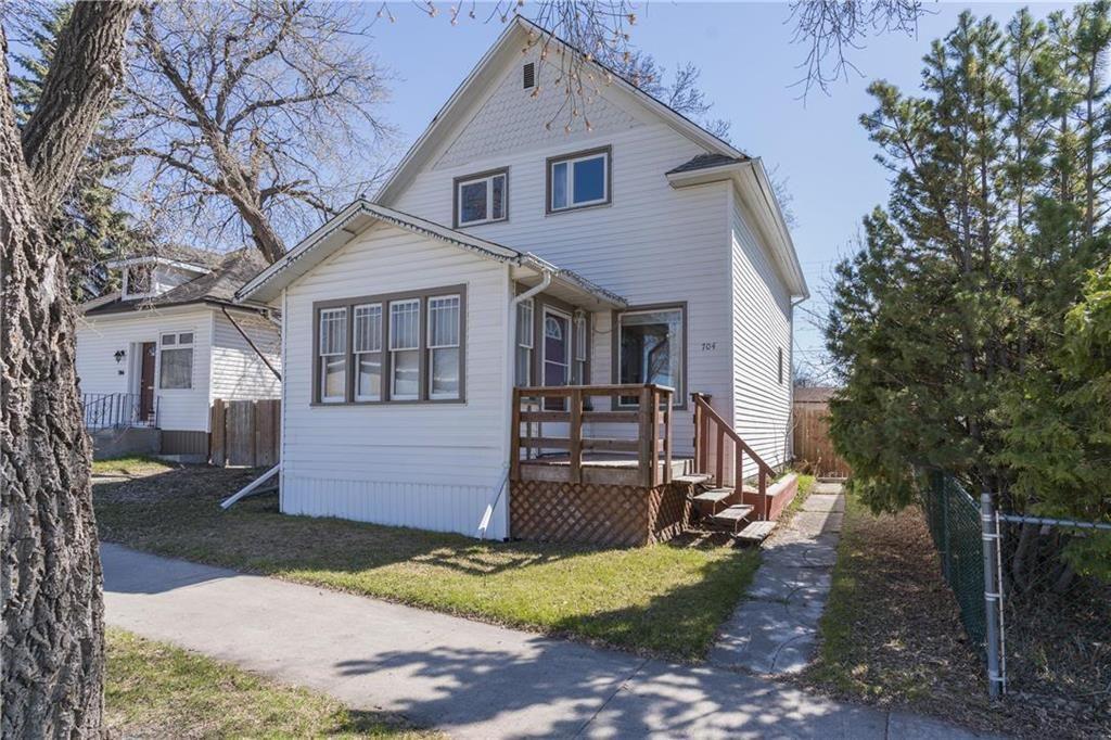 Main Photo: 704 Leola Street in Winnipeg: East Transcona Residential for sale (3M)  : MLS®# 202009723