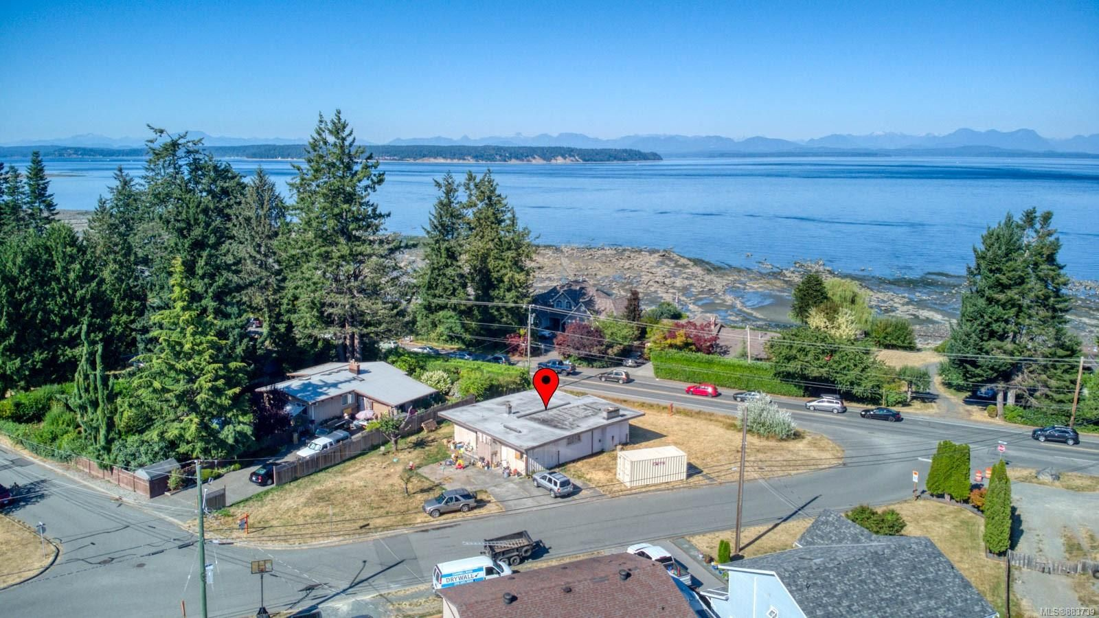 Main Photo: 3584 S Island Hwy in : CR Willow Point House for sale (Campbell River)  : MLS®# 883739