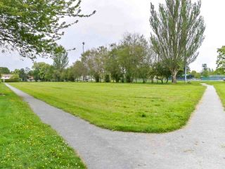 Photo 7: 2 10040 NO. 2 Road in Richmond: Woodwards House for sale : MLS®# R2602494