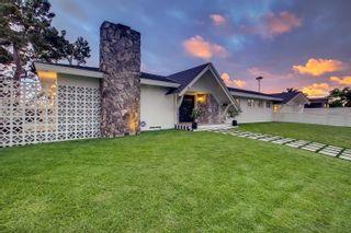 Photo 4: OCEAN BEACH House for sale : 4 bedrooms : 3825 Coronado Ave in San Diego