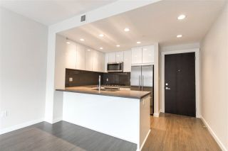 "Photo 2: 427 255 W 1ST Street in North Vancouver: Lower Lonsdale Condo for sale in ""West Quay"" : MLS®# R2213993"