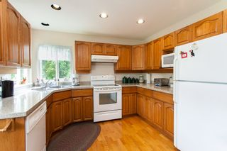 """Photo 5: 20629 98 Avenue in Langley: Walnut Grove House for sale in """"DERBY HILLS"""" : MLS®# R2172243"""